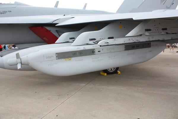 EAA10_EA-18G_17