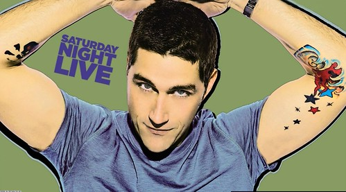 Thumb Matthew Fox en el ascensor [SNL]