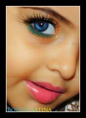 A Smile ~♥ (вσηιтα ℓαтιηα ɛ♥ɜ [Busy]) Tags: blue people cute green eye beauty smile face digital canon eos warm innocent meme bonita universal latina kindness language eyeshadow 400d