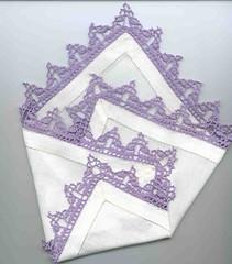 puntina per fazzoletto viola