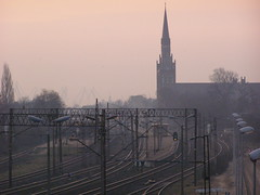 Poranek (magro_kr) Tags: morning church station tracks poland polska rail gdansk danzig tory poranek rano gdańsk kosciol kościół kolej pomorze wrzeszcz pomorskie stacja