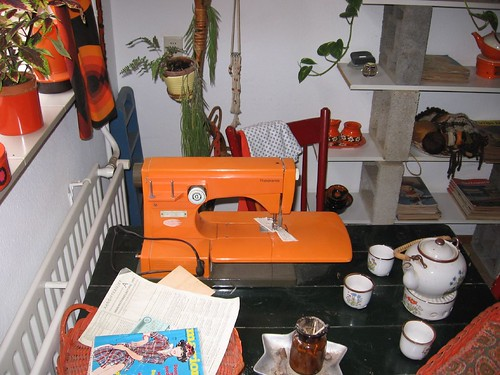 Orange Viking Sewing Machine (3)
