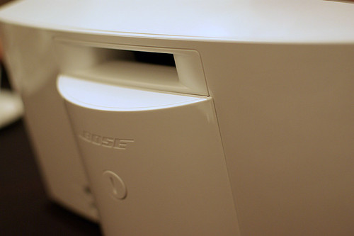 SoundDock Portable White backside