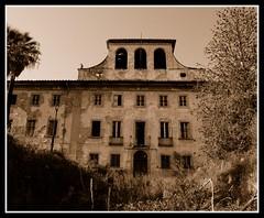 villa tanzielucaro (grace'sphotos) Tags: abandoned sepia decayed pistoia seppia abbandono aloneinthedark villasbertoli villatanzielucaro