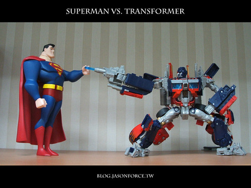 superman_vs_transformer_1