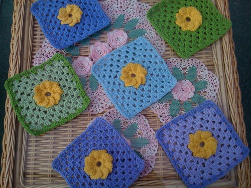 Elke from Austria is very kindly joining our 'Flower Square' Challenge! It ends 31st May. Her beautiful Squares arrived this morning. Thanks so much Elke!