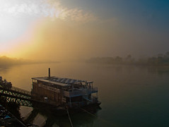 lounge bar on the river (claudio.ghizzoni) Tags: sunset panorama bar river walking landscape boat fiume lounge ngc cremona
