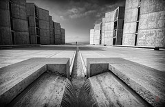 March of Lines (AKA The Fountainhead) (@!ex) Tags: california white black la pentax sigma 1020 salk jolla k5 platinumphoto