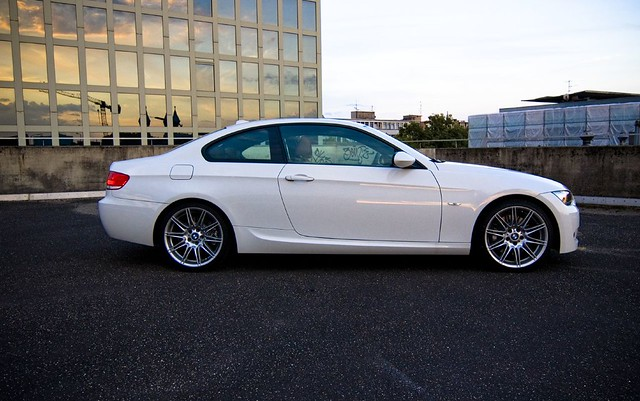 bmw coupe 335 alpinewhite e92 335d m225alloys