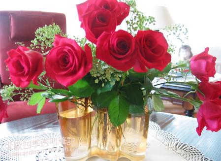 花瓶為桌上增添色彩small copy