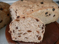 Breakfast Loaf with Sesame Seeds and Raisins