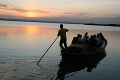 la barca (atxu) Tags: valencia albufera tafalla atxu ltytr2 ltytr1