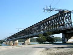railway bridge ii. (.::Danka::.) Tags: bridge architecture river nikon hungary budapest railway coolpix duna fluss hd magyarorszg hungra nikoncoolpix3500 ri foly vast