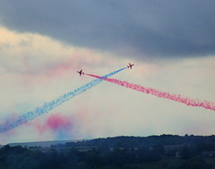 blue red plane scotland display hawk aeroplane sutherland redarrows raf dornoch aerobatics vapourtrail helluva aerobaticdisplay superbmasterpiece