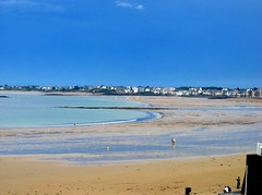 St Malo 2004 (esyckr) Tags: blue sea beach saintmalo
