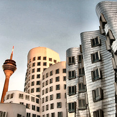Gehry, Medienhafen, Duesseldorf (Frizztext) Tags: architecture germany square interestingness gehry explore galleries duesseldorf july9 supershot 25faves frizztext 20070709