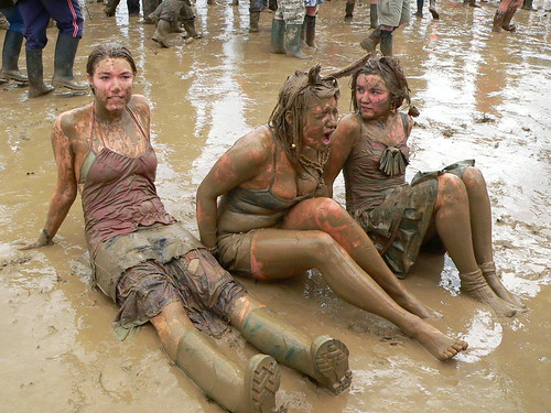 Sexy girls mud sex