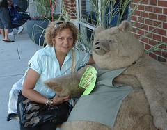 My Mom with the big bear! - by Genesis Dearest