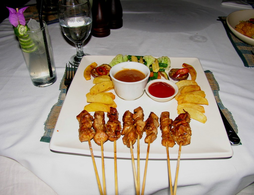 Sate Ayam (with delicious grilled vegetables) at Komang John Cafe