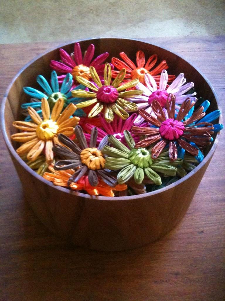 how to make raffia flowers