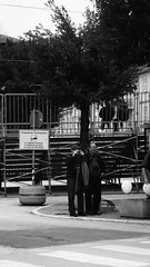 """Fotografo si... Fotografo no... (claudio """"clod"""" giuliani) Tags: bw photo casa strada foto natura campo mura perone bibbia pistola biancoenero cappello fotografo corinaldo divieto uomini panchina passeggiata vigili anziano prete bastone divisa berretto poaint tonaca"""