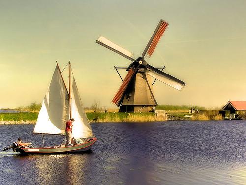 Sailing along dutch Kinderdijk by Bеn.