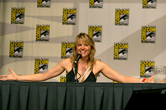 Lucy Lawless recounts Callis' full frontal scene (kwc) Tags: sandiego comiccon battlestargalactica sdcc bsg lucylawless sdcc07