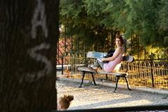 voyeur (la espera) (sibileishons) Tags: viaje parque portugal chica lisboa banco voyeur soledad espera mirador pelirroja sibileishons