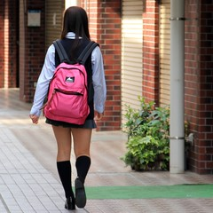 Pink backpack (Ayanami_No03) Tags: people woman japan tokyo scenery backpack   chofu picnik schooluniform       eoskissx4 eos550d