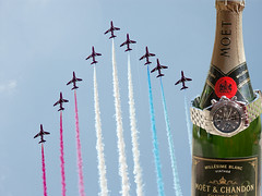 RedArrows_Evo_Moet (Mirrorless for me) Tags: colour watches quality aircraft champagne smoke performance evolution formation automatic crown colourful links redarrows chronograph redwhiteblue windrider craftsmanship bezel breitling discipline moet airday yeovilton chronomat