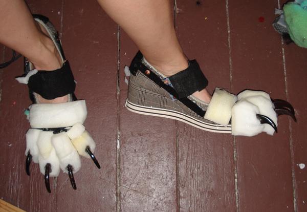 feet claw2