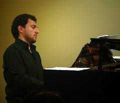 ADOLFO MUÑOZ (PIANO)