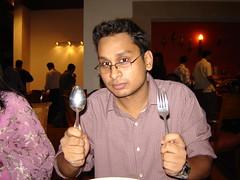 DSC03390 (.::HiMU::.) Tags: friend ramadan iftar efes gulshan