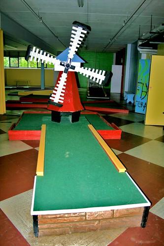 Mini golf windmill hole