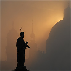 Praha Sunrise (Ian@NZFlickr) Tags: bridge deleteme9 savedbythedeletemegroup prague charles saveme10 fivestarsgallery mywinners perfectangle superaplus aplusphoto superbmasterpiece beyondexcellence sunsetmania