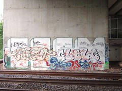 TRAIN BRIDGE PLIAN'S.RD (cubically) Tags: graffiti tags plainsrd