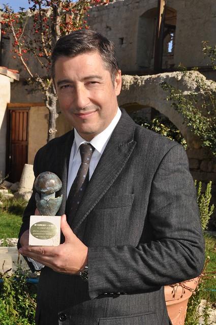Joan Roca con el Premio Amanita 2010