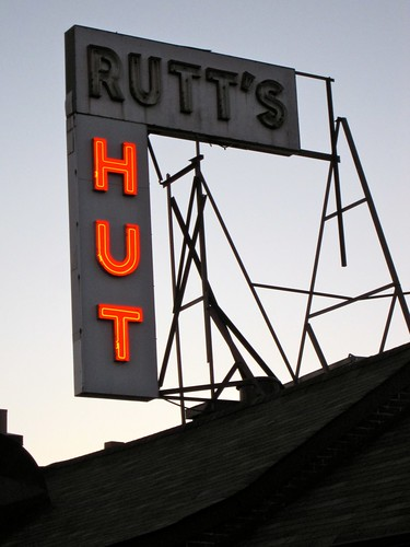 Rutt's Hut Neon Sign