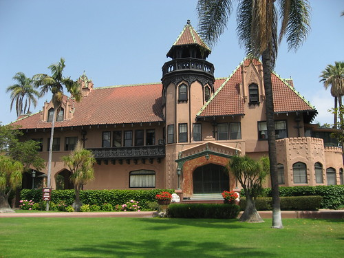 8 Chester Place, Doheny Mansion