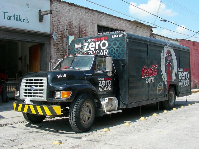 ford méxico truck cola beverage coke sanmigueldeallende delivery guanajuato soda cocacola zero cocacolazero fseries