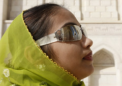 Veiled woman with sunglasses in Sultan Qaboos Grand Mosque, Muscat, Oman (Eric Lafforgue) Tags: reflection tourism canon glasses muslim islam mosque arabic arabia mosquee arabian peninsula oman ramadan qaboos omn  omani arabie   7935 lafforgue minatret arabianpeninsula  ericlafforgue om  omo umman omaan   omanais   omna omanas umn