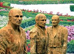 P1000584 (Akbar Sim) Tags: sculpture netherlands nederland denbosch beeld 2010 shertogenbosch noordbrabant lilianefonds akbarsimonse beavandorpe akbarsim