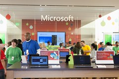 Microsoft Store Bellevue - Grand Opening | Photo © Microsoft Store