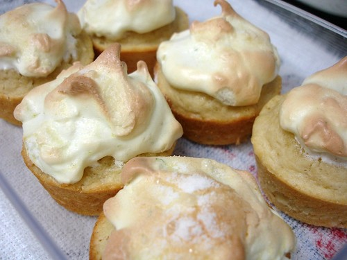 Lime meringue muffins