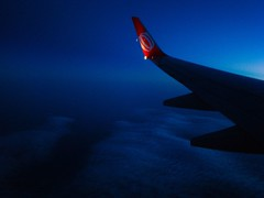 Vuelo Nocturno / Night Fly (Claudio.Ar) Tags: morning blue light sky santafe primavera luz maana argentina azul clouds wow catchycolors airplane fly spring topf50 searchthebest sony airplanes 100v10f explore cielo nubes avin dsc 737 aviones mquina h9 15faves cruzadas supershot 10faves thebiggestgroup 123sky diamondclassphotographer flickrdiamond theunforgettablepictures excapture flickrphotographeraward theperfectphotographer photosexplore top25blue blueandbright photoexel claudioar claudiomufarrege goldenart itswritteninthestars phvalue oracobb