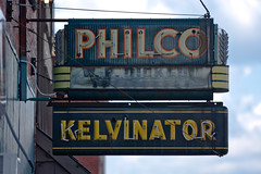 philco sold here (flee the cities) Tags: sign marquee mainstreet downtown neon missouri philco slater defunct kelvinator