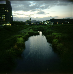 amnesia 2 (TommyOshima) Tags: longexposure sunset summer reflection green 6x6 river holga kodak dusk remnant portra160vc gcfn
