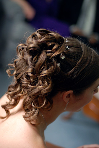 Beautiful brunette formal hairdo for a bride Love the long loose curls and