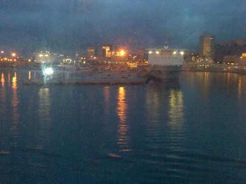Alba al porto di Genova