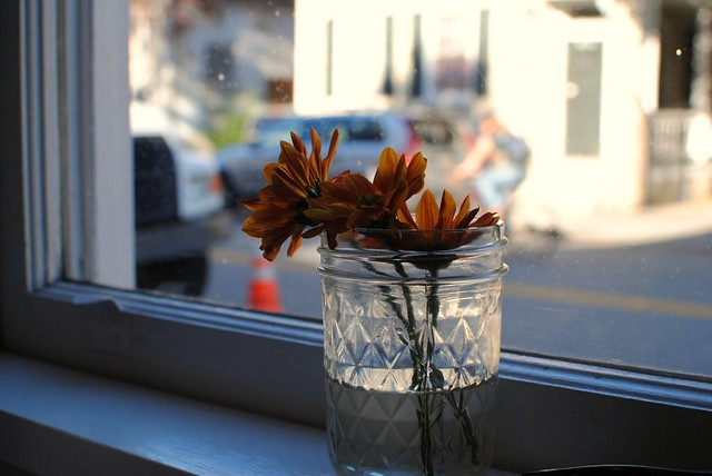 autumn-inspored flowers at hope + union